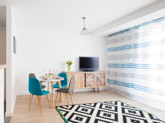 Light Blue Apartment (EN), Silver type